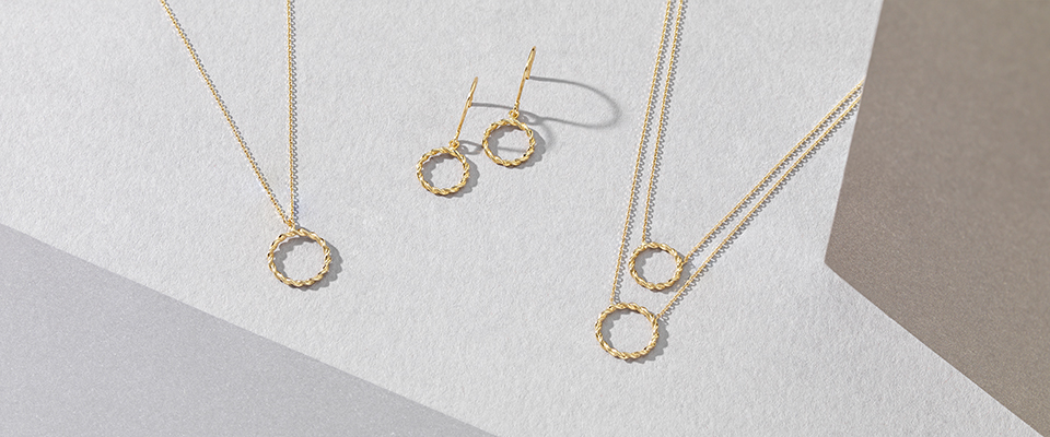 PLAIN GOLD JEWELLERY