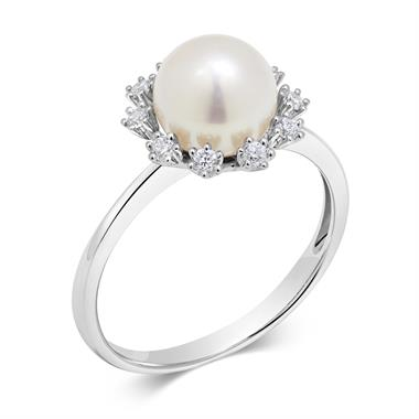 18ct White Gold Flower Design Pearl and Diamond Ring thumbnail