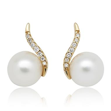 18ct Yellow Gold Freshwater Pearl and Diamond Stud Earrings thumbnail