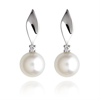 18ct White Gold Twisted Freshwater Pearl and Diamond Drop Earrings thumbnail