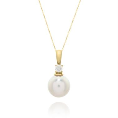 18ct Yellow Gold 8.5mm Cultured Pearl and Diamond Drop Pendant thumbnail