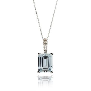 18ct White Gold Art Deco Aquamarine and Diamond Pendant thumbnail