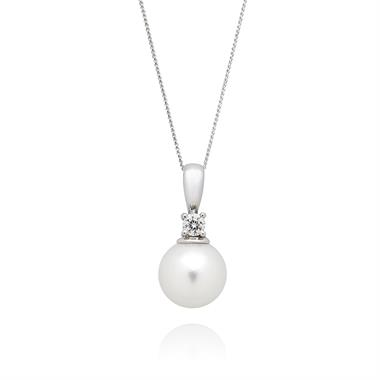 18ct White Gold Akoya Pearl and Diamond Pendant thumbnail