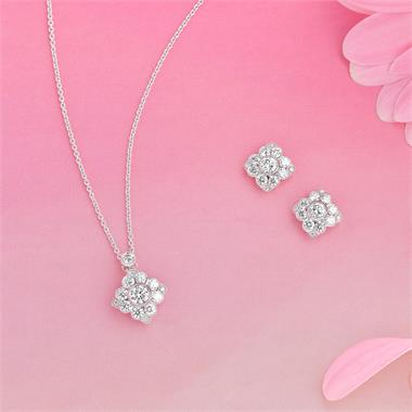 18ct White Gold Vintage Style Diamond Cluster Necklace thumbnail