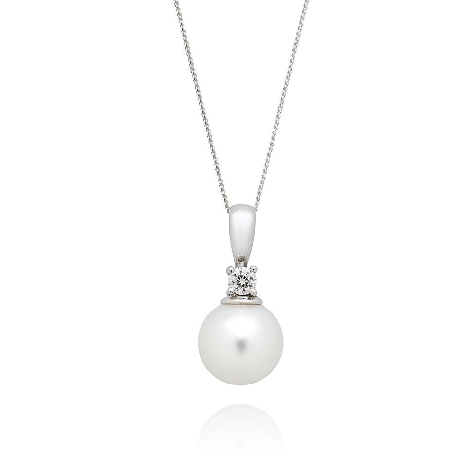 18ct White Gold Akoya Pearl and Diamond Pendant Thumbnail Image 0