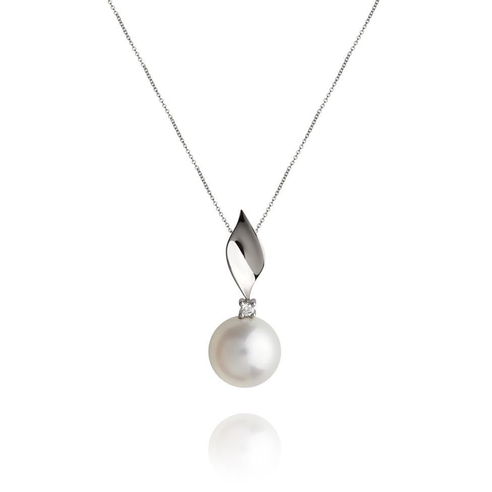 18ct White Gold Freshwater Pearl and Diamond Pendant Thumbnail Image 0
