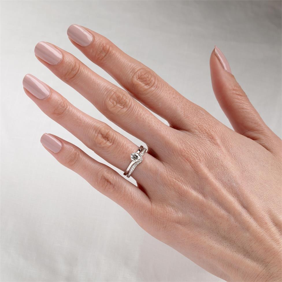 Platinum Diamond Set Shaped Wedding Ring 0.25ct Thumbnail Image 1