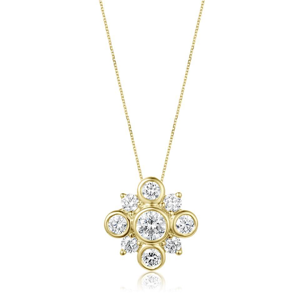 18ct Yellow Gold Diamond Cluster Pendant Thumbnail Image 0