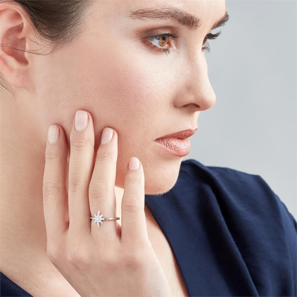 18ct White Gold Star Design Diamond Dress Ring Thumbnail Image 1