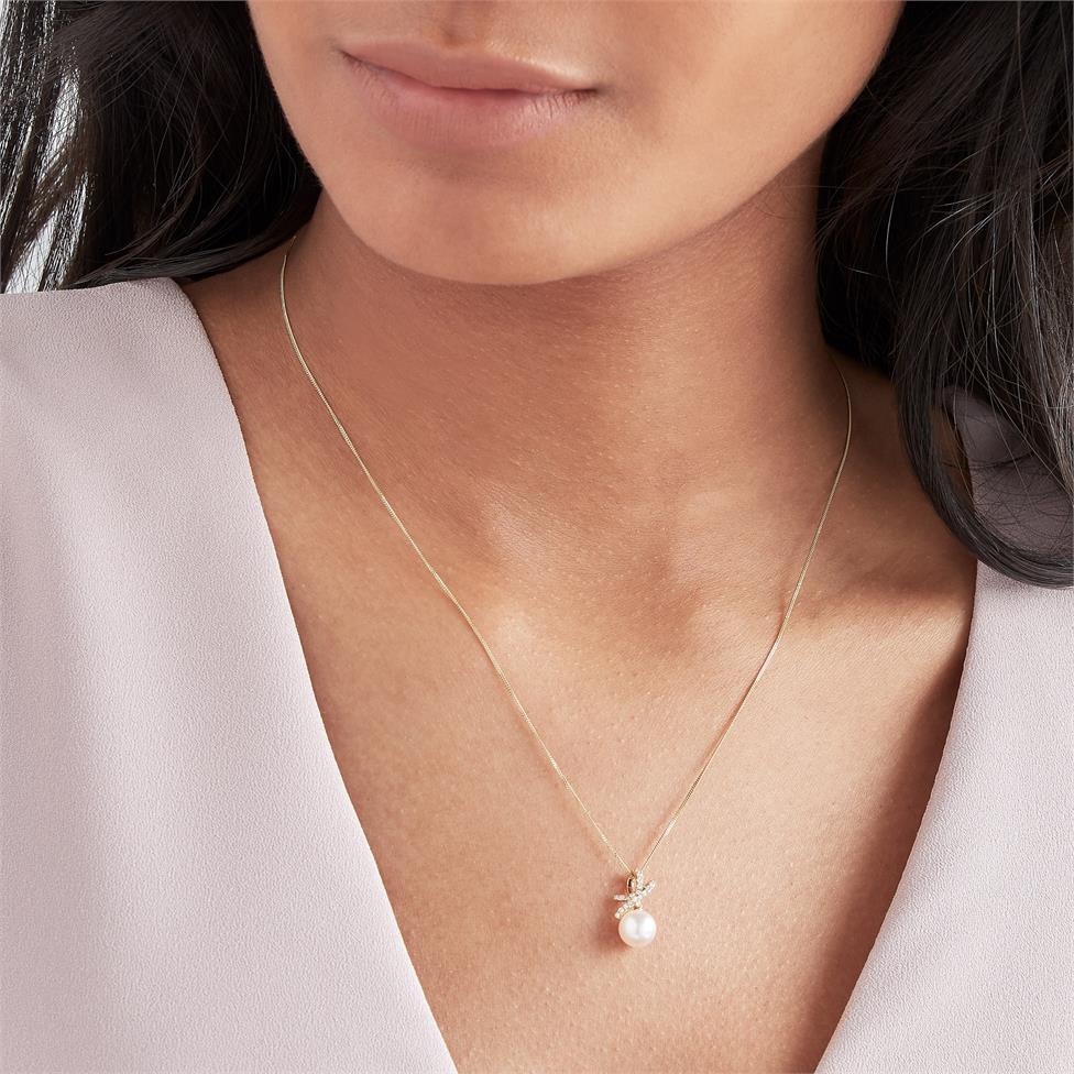 Isla 18ct Yellow Gold Bow Design Pearl and Diamond Drop Pendant Thumbnail Image 1