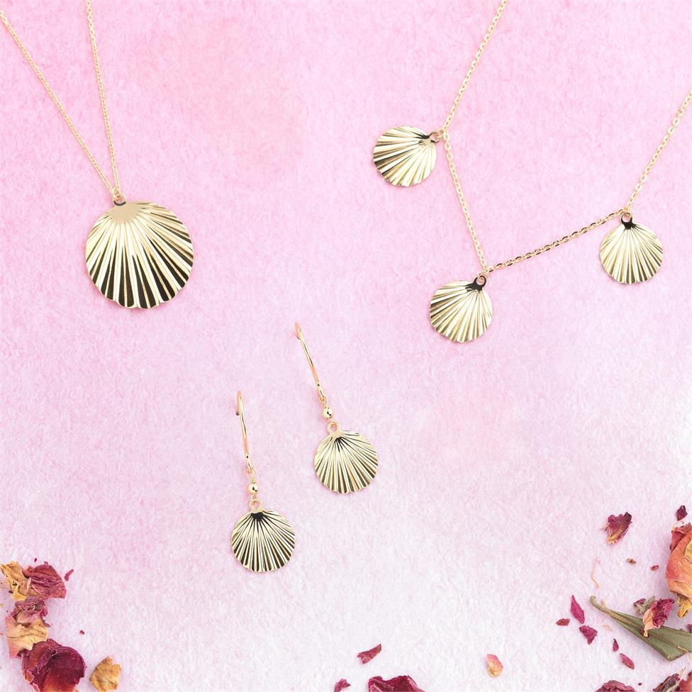 18ct Yellow Gold Shell Design Drop Earrings Thumbnail Image 2