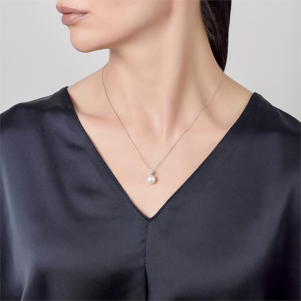 18ct White Gold Freshwater Pearl and Diamond Pendant Thumbnail Image 1
