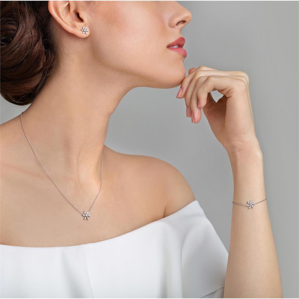 18ct White Gold Flower Design Diamond Bracelet 0.20ct Thumbnail Image 2