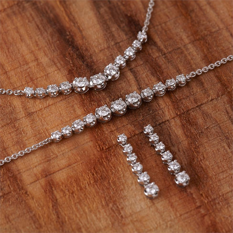 18ct White Gold Graduated Diamond Necklace Thumbnail Image 1